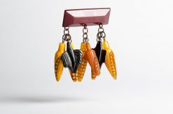 bakelite_corn_leaf_brooch1